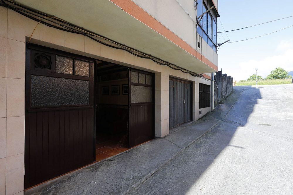 Alquiler local en calle Monte Aldabe